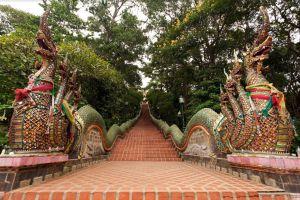 Doi-Suthep-Chiang-Mai-Thailand-01.jpg