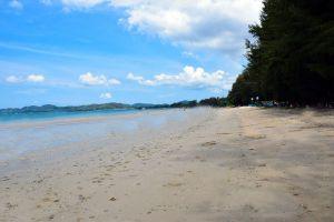 Dongtan-Beach-Chonburi-Thailand-02.jpg