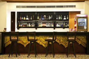 Dor-Shada-Resort-By-The-Sea-Pattaya-Thailand-Bar.jpg