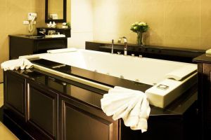 Dor-Shada-Resort-By-The-Sea-Pattaya-Thailand-Bathroom.jpg