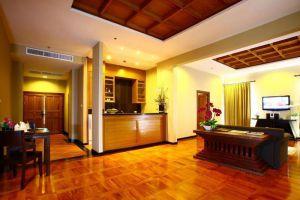Dor-Shada-Resort-By-The-Sea-Pattaya-Thailand-Suite-Room.jpg