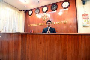 Douang-Pra-Seuth-Hotel-Vientiane-Laos-Reception.jpg