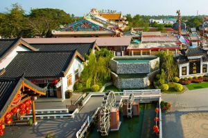 Dragon-Paradise-Park-Suphan-Buri-Thailand-06.jpg