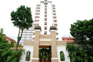 Eastern-Grand-Palace-Hotel-Pattaya-Thailand-Entrance.jpg