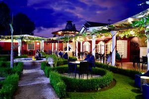 Easy-Garden-Restaurant-Cafe-Yogyakarta-Indonesia-02.jpg