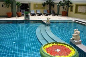Ebina-House-Hotel-Bangkok-Thailand-Pool.jpg