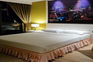 Ebina-House-Hotel-Bangkok-Thailand-Room-Double.jpg