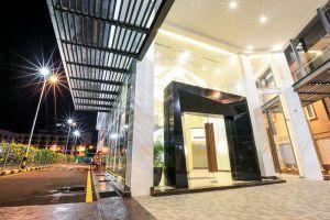 Eco-Tree-Hotel-Melaka-Entrance.jpg