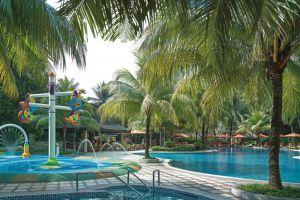 Edsa-Shangri-La-Hotel-Manila-Philippines-Pool.jpg