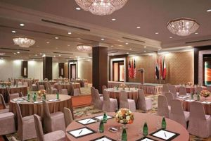 Edsa-Shangri-La-Hotel-Manila-Philippines-Restaurant.jpg