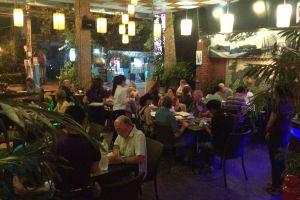 Elegant-Restaurant-Lounge-Hue-Vietnam-004.jpg