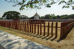 Elephant-Kraal-Pavilion-Ayutthaya-Thailand-002.jpg