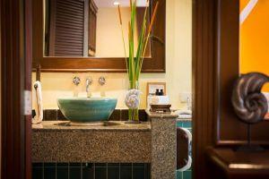 Emerald-Beach-Resort-Spa-Khaolak-Thailand-Bathroom.jpg