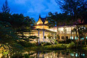 Emerald-Beach-Resort-Spa-Khaolak-Thailand-Overview.jpg