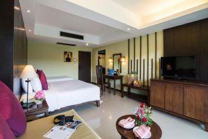 Emerald-Beach-Resort-Spa-Khaolak-Thailand-Room.jpg