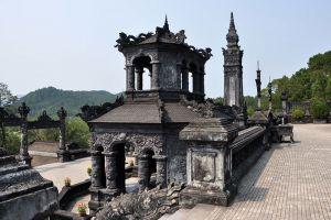 Emperor-Khai-Dinh-Tomb-Hue-Vietnam-004.jpg