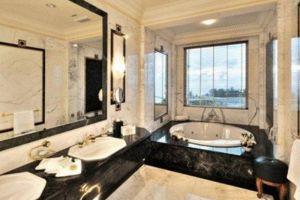 Empire-Hotel-Country-Club-Bandar-Seri-Begawan-Brunei-Bathroom.jpg