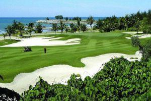 Empire-Hotel-Country-Club-Bandar-Seri-Begawan-Brunei-Golf-Course.jpg