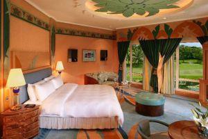 Empire-Hotel-Country-Club-Bandar-Seri-Begawan-Brunei-Room.jpg