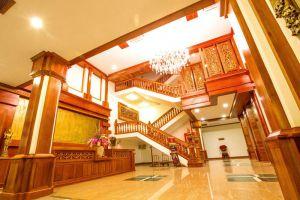 Empress-Residence-Resort-Spa-Siem-Reap-Cambodia-Lobby.jpg