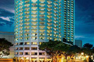 Fairmont-Hotel-Marina-Bay-Singapore-Facade.jpg