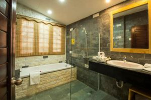 Famiana-Resort-Spa-Phu-Quoc-Island-Vietnam-Bathroom.jpg
