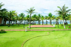 Famiana-Resort-Spa-Phu-Quoc-Island-Vietnam-Garden.jpg
