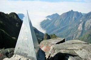 Fansipan-Mountain-Lao-Cai-Vietnam-002.jpg