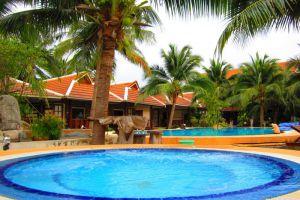First-Villa-Koh-Phangan-Thailand-Pool.jpg