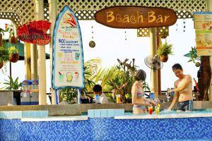 Flamingo-Hotel-by-the-Beach-Pool-Penang.jpg