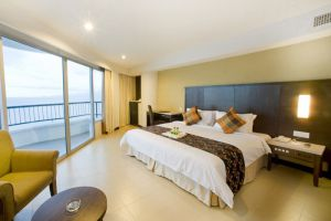 Flamingo-Hotel-by-the-Beach-Room-Penang.jpg