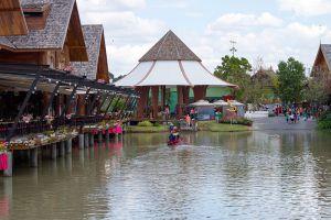 Floating-Market-Pattaya-Chonburi-Thailand-003.jpg
