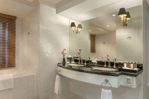 Fraser-Place-Manila-Philippines-Bathroom.jpg