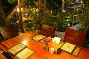 Frog-Catfish-Restaurant-Krabi-Thailand-002.jpg
