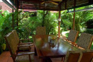 Frog-Catfish-Restaurant-Krabi-Thailand-005.jpg