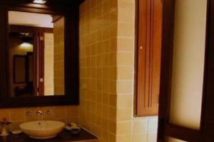 Gassan-Khuntan-Golf-Resort-Lamphun-Thailand-Bathroom.jpg