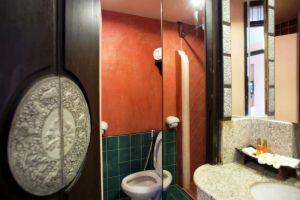 Gate-Hotel-Chiang-Mai-Thailand-Bathroom.jpg
