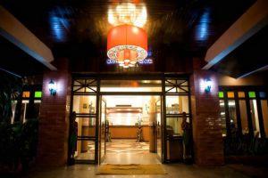 Gate-Hotel-Chiang-Mai-Thailand-Entrance.jpg