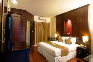 Gate-Hotel-Chiang-Mai-Thailand-Room.jpg