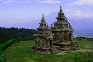 Gedong-Songo-Central-Java-Indonesia-002.jpg