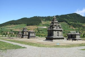 Gedong-Songo-Central-Java-Indonesia-006.jpg