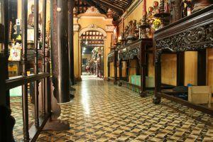 Giac-Lam-Pagoda-Ho-Chi-Minh-Vietnam-001.jpg