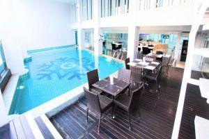 Glacier-Hotel-Khon-Kaen-Thailand-Pool.jpg