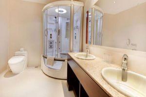 Golden-Central-Hotel-Saigon-Ho-Chi-Minh-Vietnam-Bathroom.jpg