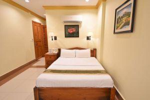 Golden-House-International-Hotel-Phnom-Penh-Cambodia-Room.jpg