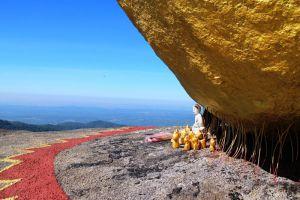 Golden-Rock-Kyaiktiyo-Pagoda-Mon-State-Myanmar-005.jpg