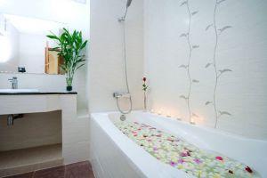 Golden-Sand-Hotel-Sihanoukville-Cambodia-Bathroom.jpg