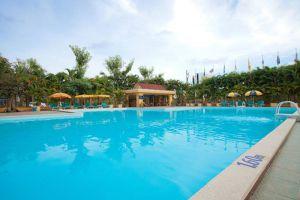 Golden-Sand-Hotel-Sihanoukville-Cambodia-Pool.jpg