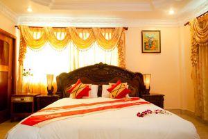Golden-Sand-Hotel-Sihanoukville-Cambodia-Room.jpg