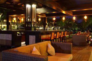 Golden-Sand-Resort-Spa-Hoi-An-Vietnam-Bar.jpg